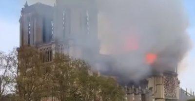 Francia: incendio Notre dame, cattedrale devastata