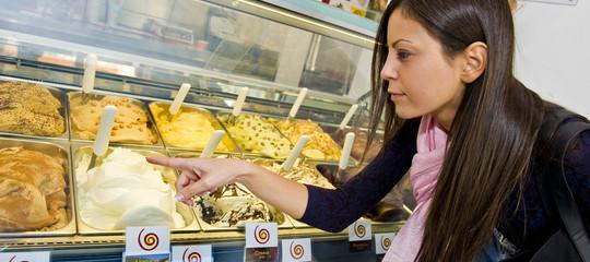 Gli italiani mangiano meno gelato, ma è il migliore del mondo