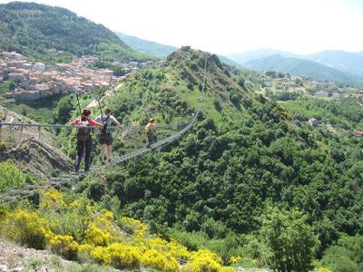Sasso di Castalda : il paese delle meraviglie con il ponte della Luna