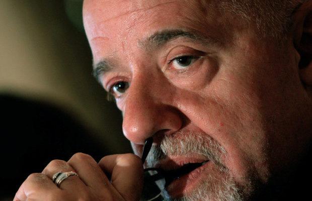 Bolivia. Paulo Coelho  «élite inescrupulosa y desvergonzada» apunta con riflesSalva