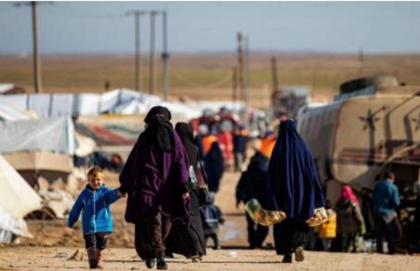 "Siria:tornano a Raqqa ex jihadisti siriane ""vedove di Daesh""rilasciati dal campo di detenzione di Al Hol"