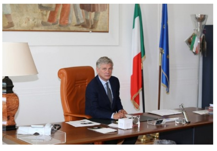 Delega ai servizi all'ambasciatore  Benassi