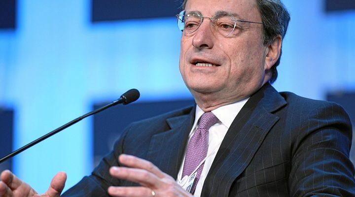 Governo: due italiani su tre  si fidano di Draghi