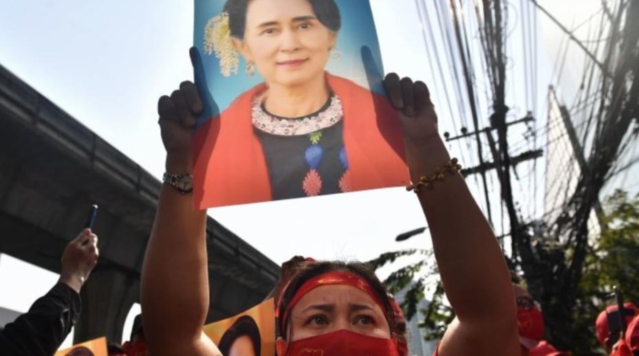 Birmania. Avvocato, due nuove accuse contro San Suu Kyi. Rischia 3 anni di carcere