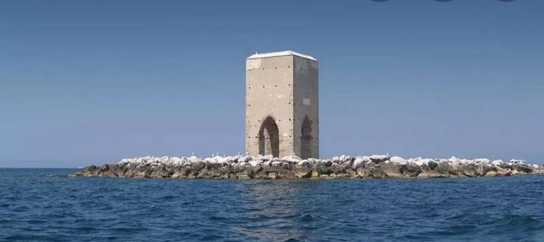 Perché Pisa ,una delle quattro Repubbliche marinare ,non ha il mare?