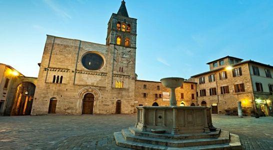 Turismo delle radici in Umbria: Bevagna, il borgo umbro resistente al tempo
