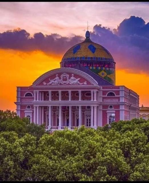 A mais conhecida e icônica obra arquitetônica do Amazonas.