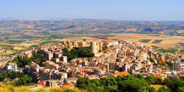 """Turismo delle radici in Sicilia: Salemi, la """"Città dei Pani"""" ai piedi della Valle del Belice"""