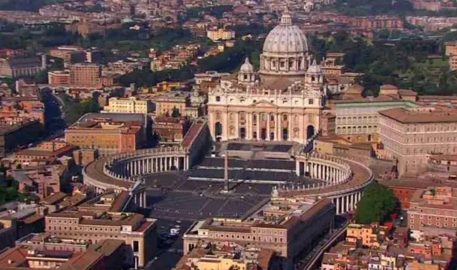Nuova legge anti-corruzione per i dirigenti vaticani. Proibito a tutti i dipendenti accettare regali del valore superiore a 40 euro