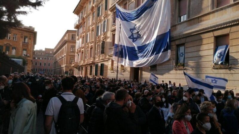 Solidarietà a Israele, migliaia di persone in piazza a Roma