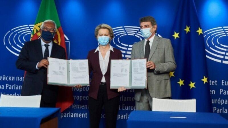L'Ue dà il via libera al green pass