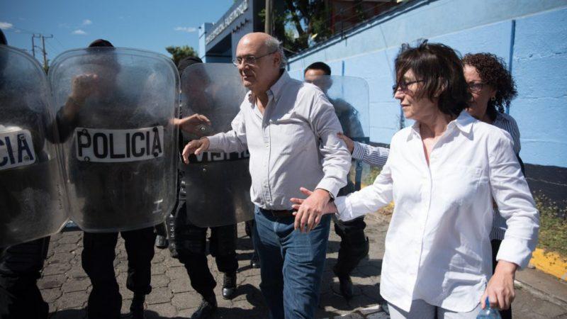 """Carlos Chamorro, desde su exilio en Costa Rica: """"Ortega quiere rehenes para negociar"""""""