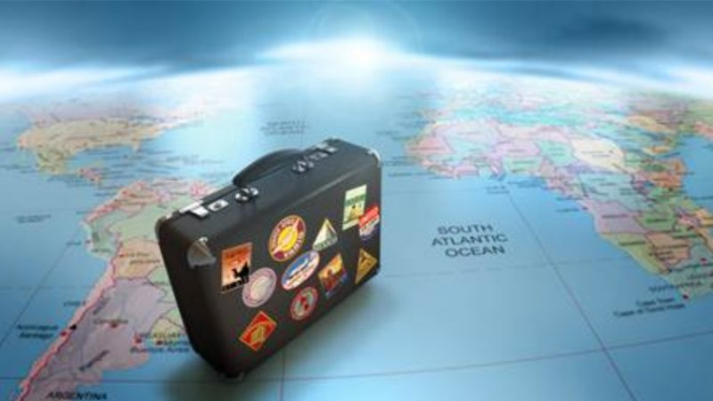 COVID-19: le raccomandazioni del Maeci per i viaggi all'estero