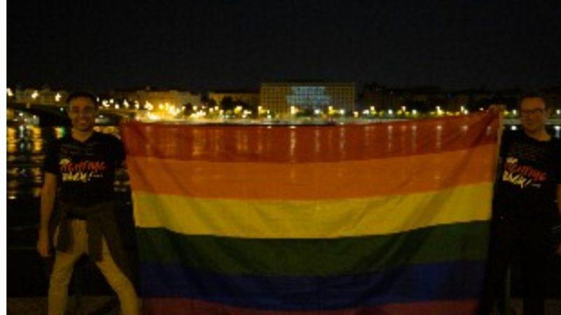 Budapest s'illumina per i diritti LGBT +