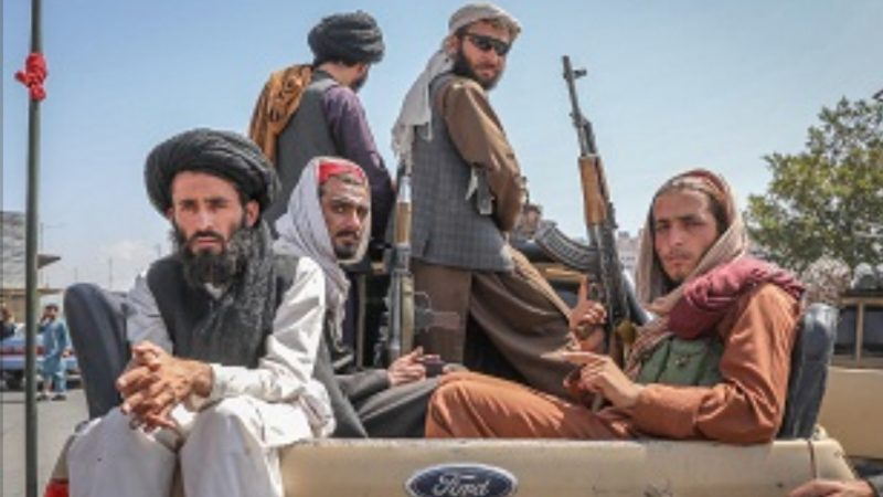 I loro talebani come i nostri fascisti