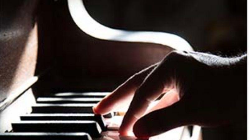 Musica, il pianista Corrado Neri rende omaggio a Morricone