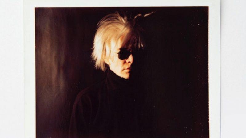 """""""Instant Warhol"""": alla Calabro Gallery di Milano l'occhio dell'artista attraverso l'obiettivo"""