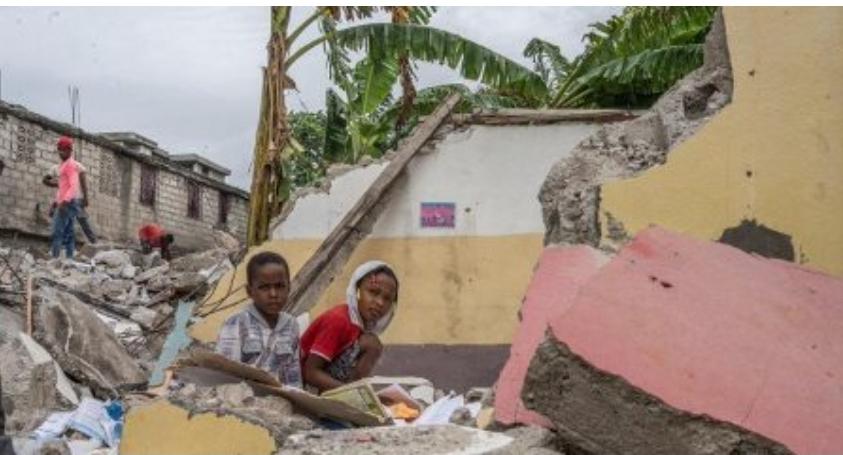Haiti dopo un mese dal terremoto 260.000 bambini hanno ancora bisogno di assistenza umanitaria