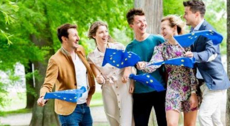 Dall'Europa più fondi per la democrazia e i diritti umani