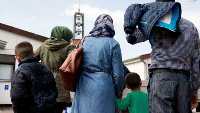 131.803 gli stranieri 'nuovi italiani' e 106.00 nuovi permessi di soggiorno nel 2020